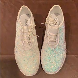 Never worn glitter tennis shoes